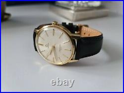 Omega Rare Seamaster 600 Vintage Men's Watch in very good condition NEED SERVICE
