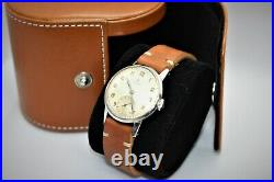 Omega vintage ref 2495-1 manual movement 30T2 rare collectible